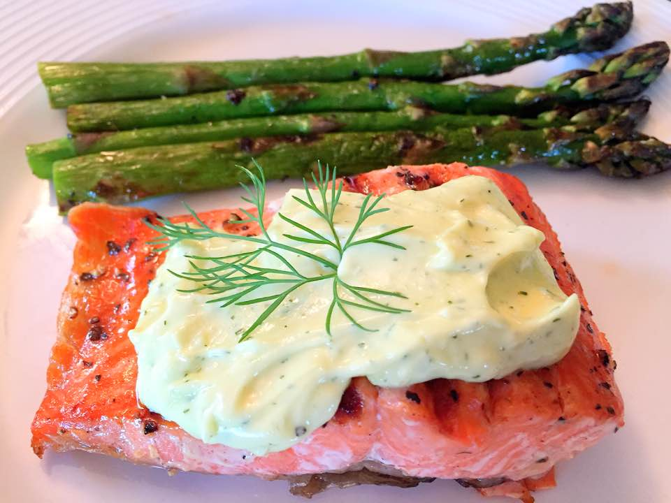 Grilled Salmon and Asparagus with Aioli Sauce