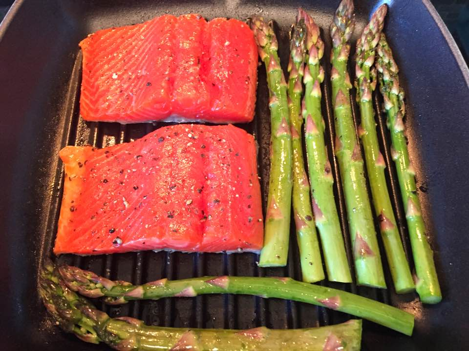Grilled Salmon and Asparagus with Aioli Sauce9