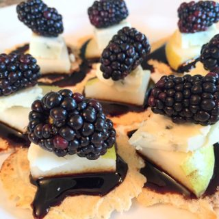 Pear Blackberry Gorgonzola Bites